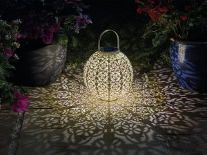 SmartGarden Damasque Solar Lantern Cream